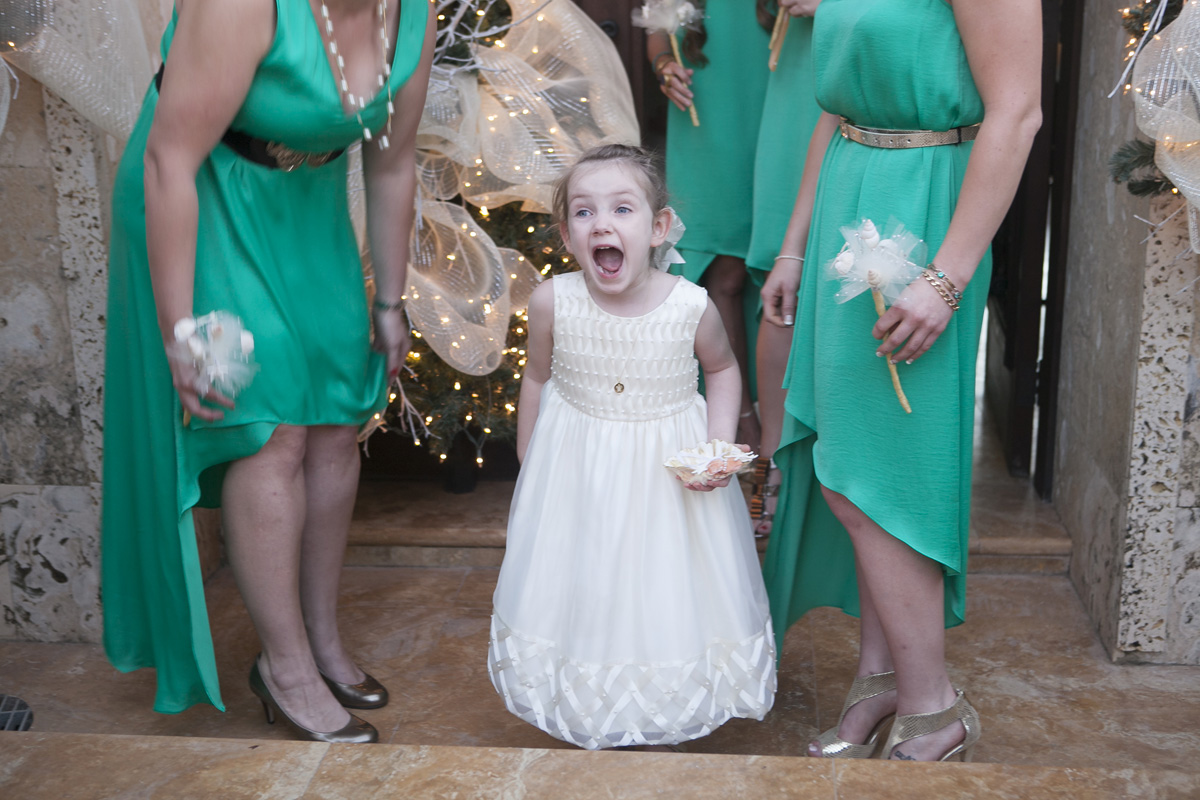 Unique Flower Girl Idea to Throw Glitter | The Majestic Vision Wedding Planning | Villas Mar Azure in Ponce, PR | www.themajesticvision.com | Shay Cochrane Photography