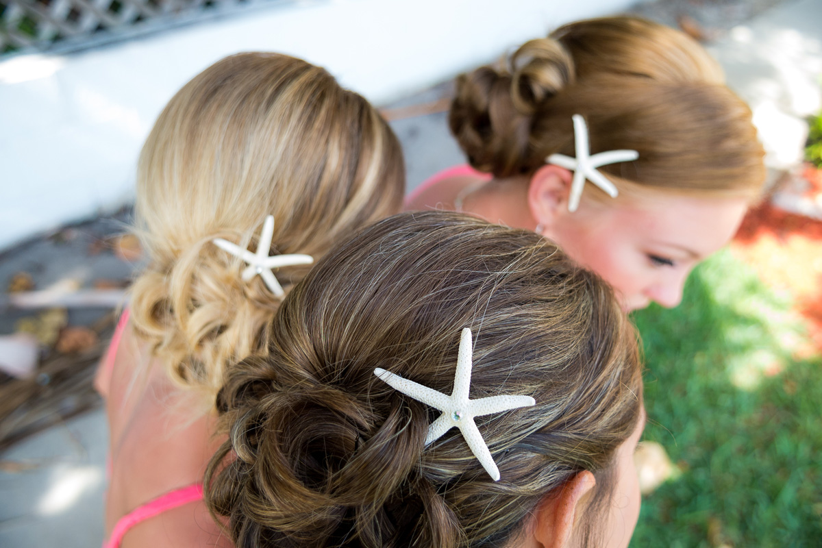 How to Accessorize for a Beach Wedding faviana hair