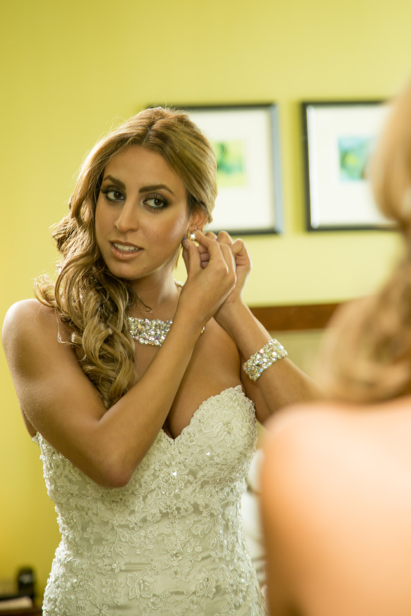 Elegant Bride Getting Ready   The Majestic Vision Wedding Planning   Hilton Singer Island in Palm Beach, FL   www.themajesticvision.com   Michael Sterling Photography