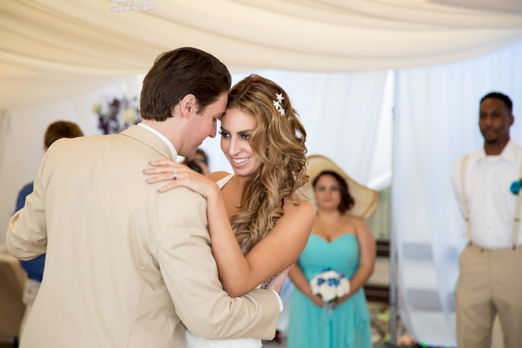 Elegant Wedding Reception | The Majestic Vision Wedding Planning | Hilton Singer Island in Palm Beach, FL | www.themajesticvision.com | Michael Sterling Photography