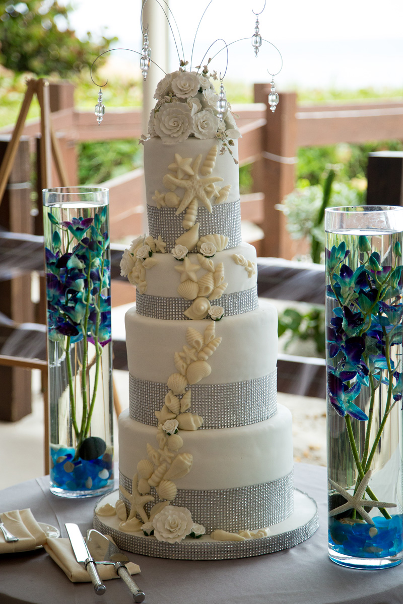 Elegant Wedding Cake with White Chocolate Seashells | The Majestic Vision Wedding Planning | Hilton Singer Island in Palm Beach, FL | www.themajesticvision.com | Michael Sterling Photography