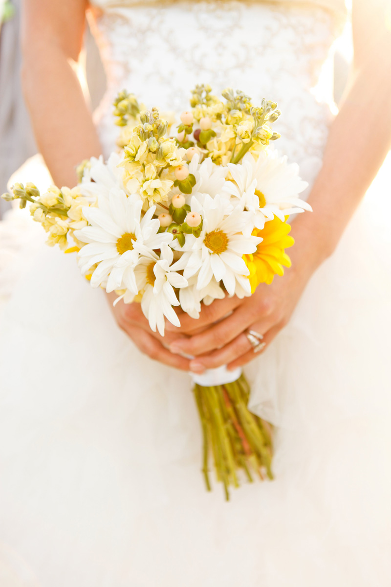 Romantic White and Yellow Daisy Bridal Bouquet | The Majestic Vision Wedding Planning | International Polo Club in Palm Beach, FL | www.themajesticvision.com | Krystal Zaskey Photography