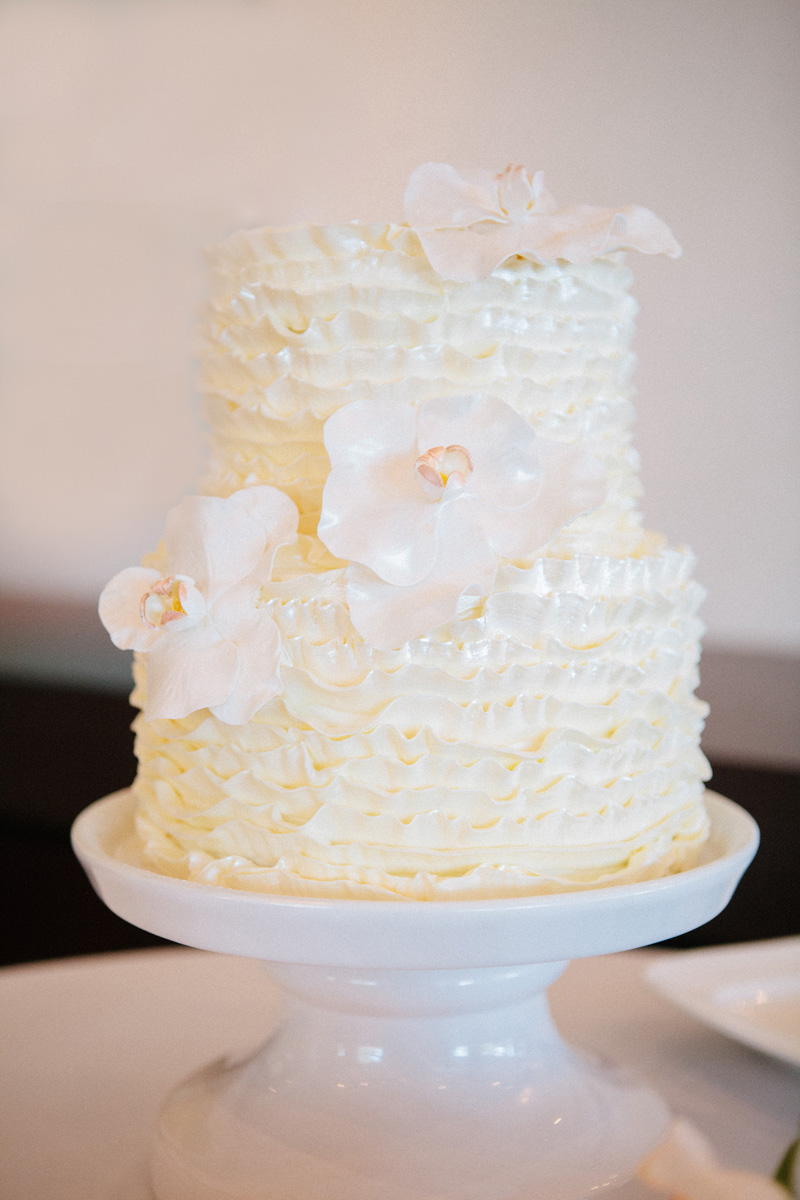 Modern White Ruffle Wedding Cake | The Majestic Vision Wedding Planning | Marriott Singer Island in Palm Beach, FL | www.themajesticvision.com | Robert Madrid Photography