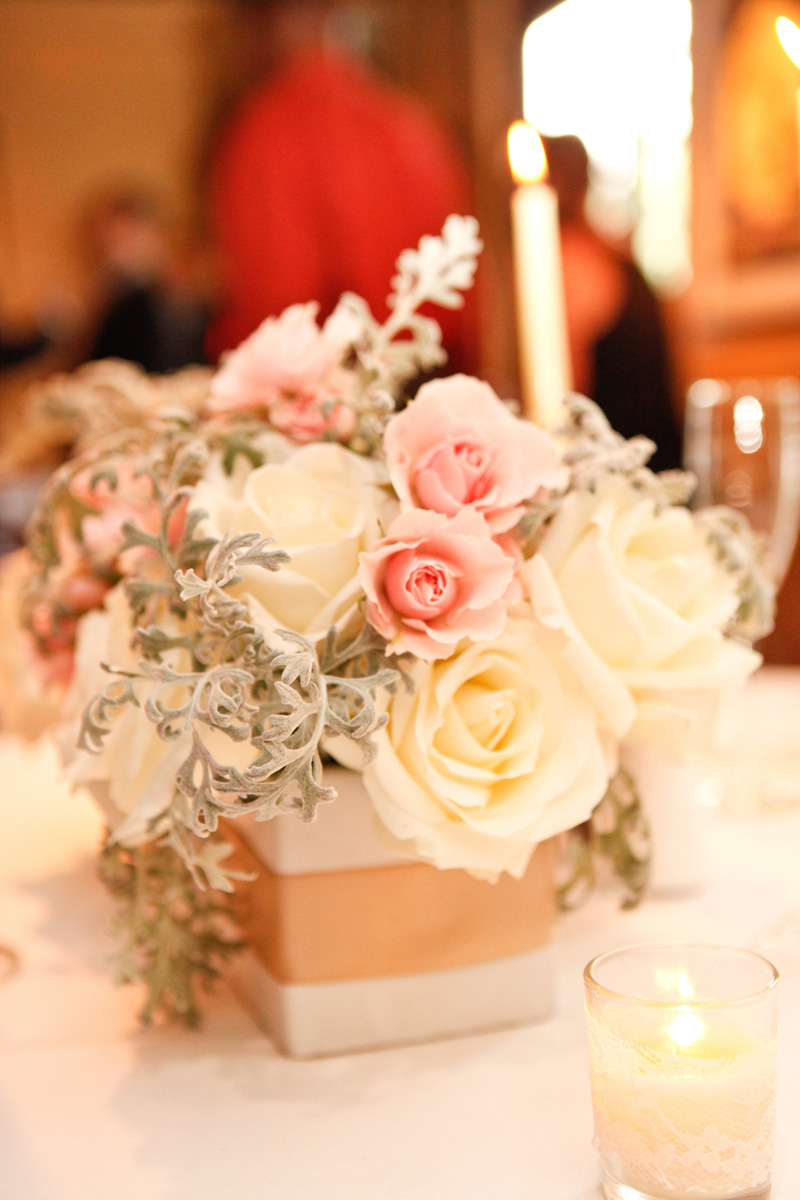 Romantic Centerpiece with Blush Roses, White Roses and Dusty Miller | The Majestic Vision Wedding Planning | 32 East in Palm Beach, FL | www.themajesticvision.com | Krystal Zaskey Photography