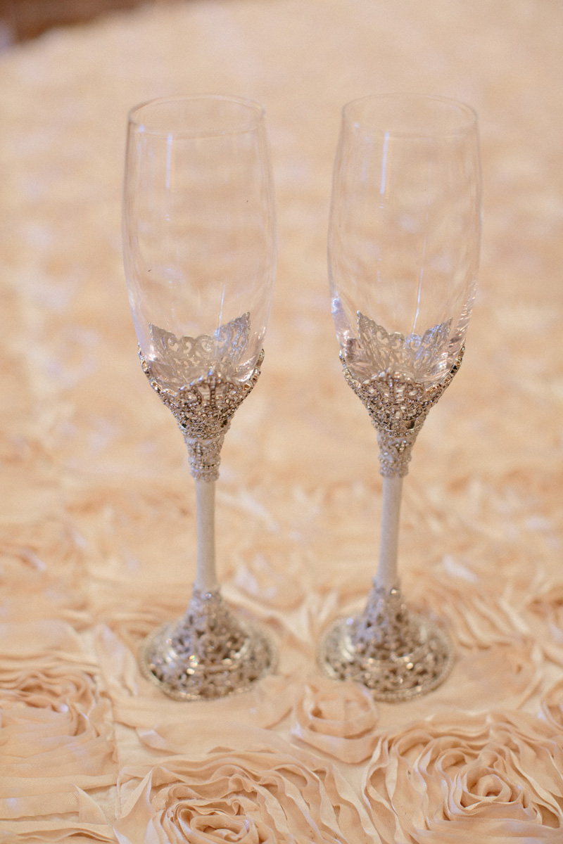 Stunning Champagne Flutes | The Majestic Vision Wedding Planning | Sailfish Marina in Palm Beach, FL | www.themajesticvision.com | Robert Madrid Photography