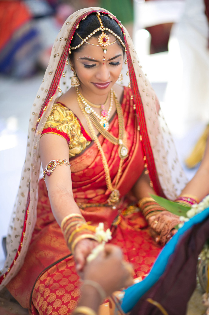 Elegant Bride in Indian Wedding Ceremony | The Majestic Vision Wedding Planning | PGA National in Palm Beach, FL | www.themajesticvision.com | Haring Photography