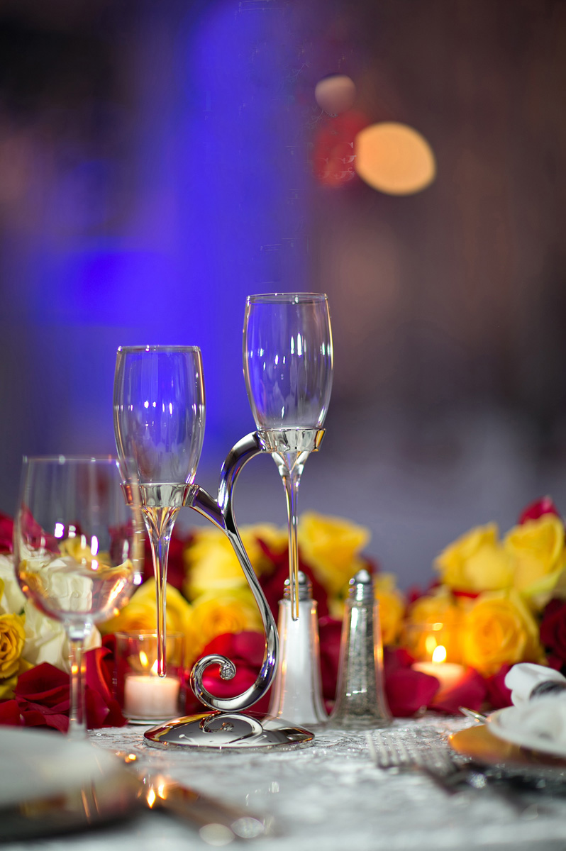 Elegant Raindrop Champagne Flutes for Indian Wedding Reception | The Majestic Vision Wedding Planning | PGA National in Palm Beach, FL | www.themajesticvision.com | Haring Photography