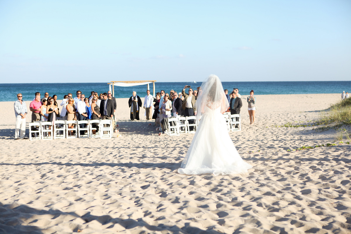 Elegant Beach Ceremony | The Majestic Vision Wedding Planning | Palm Beach Shores in Palm Beach, FL | www.themajesticvision.com | Krystal Zaskey Photography