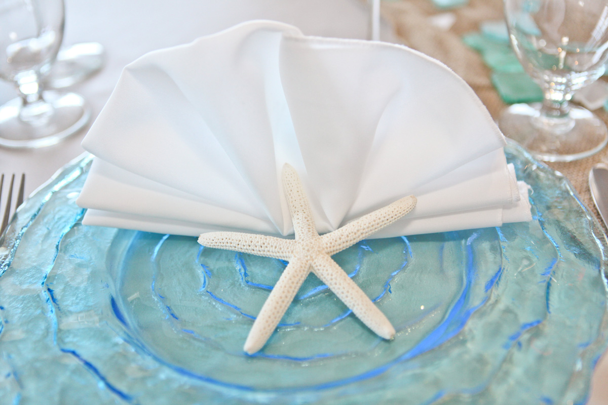 Elegant Table Setting with Blue Wave Charger and Starfish | The Majestic Vision Wedding Planning | Palm Beach Shores in Palm Beach, FL | www.themajesticvision.com | Krystal Zaskey Photography