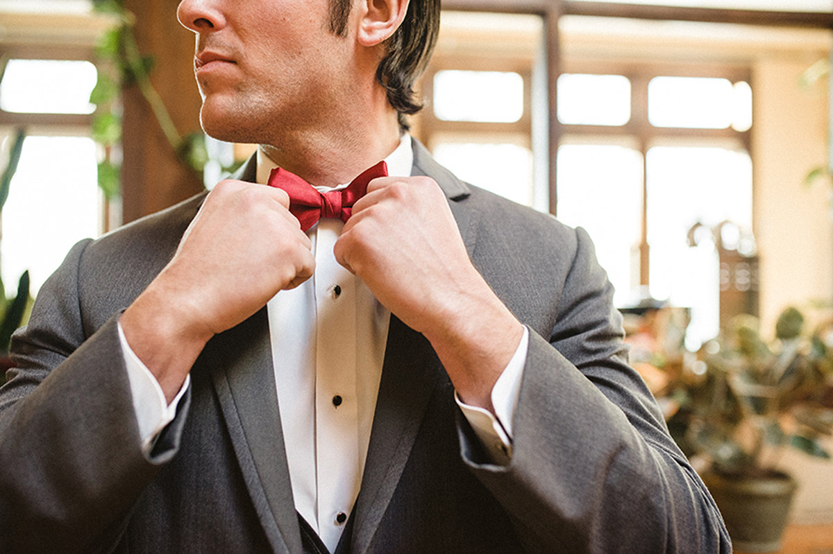 Handsome Groom in Gray Tux with Marsala Bowtie | The Majestic Vision Wedding Planning | Anodyne Coffee in Milwaukee, WI | www.themajesticvision.com | Elizabeth Haase Photography