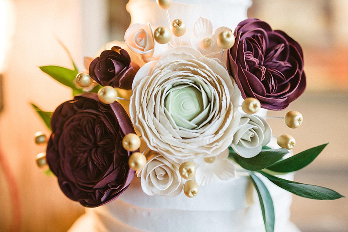 Elegant Marsala and White Wedding Cake | The Majestic Vision Wedding Planning | Anodyne Coffee in Milwaukee, WI | www.themajesticvision.com | Elizabeth Haase Photography