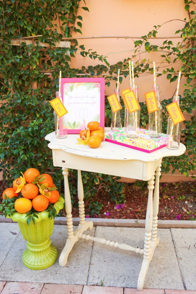 Elegant Lilly Pulitzer Inspired Juice Bottle Escort Cards | The Majestic Vision Wedding Planning | The Colony Hotel in Palm Beach, FL | www.themajesticvision.com | Krystal Zaskey Photography