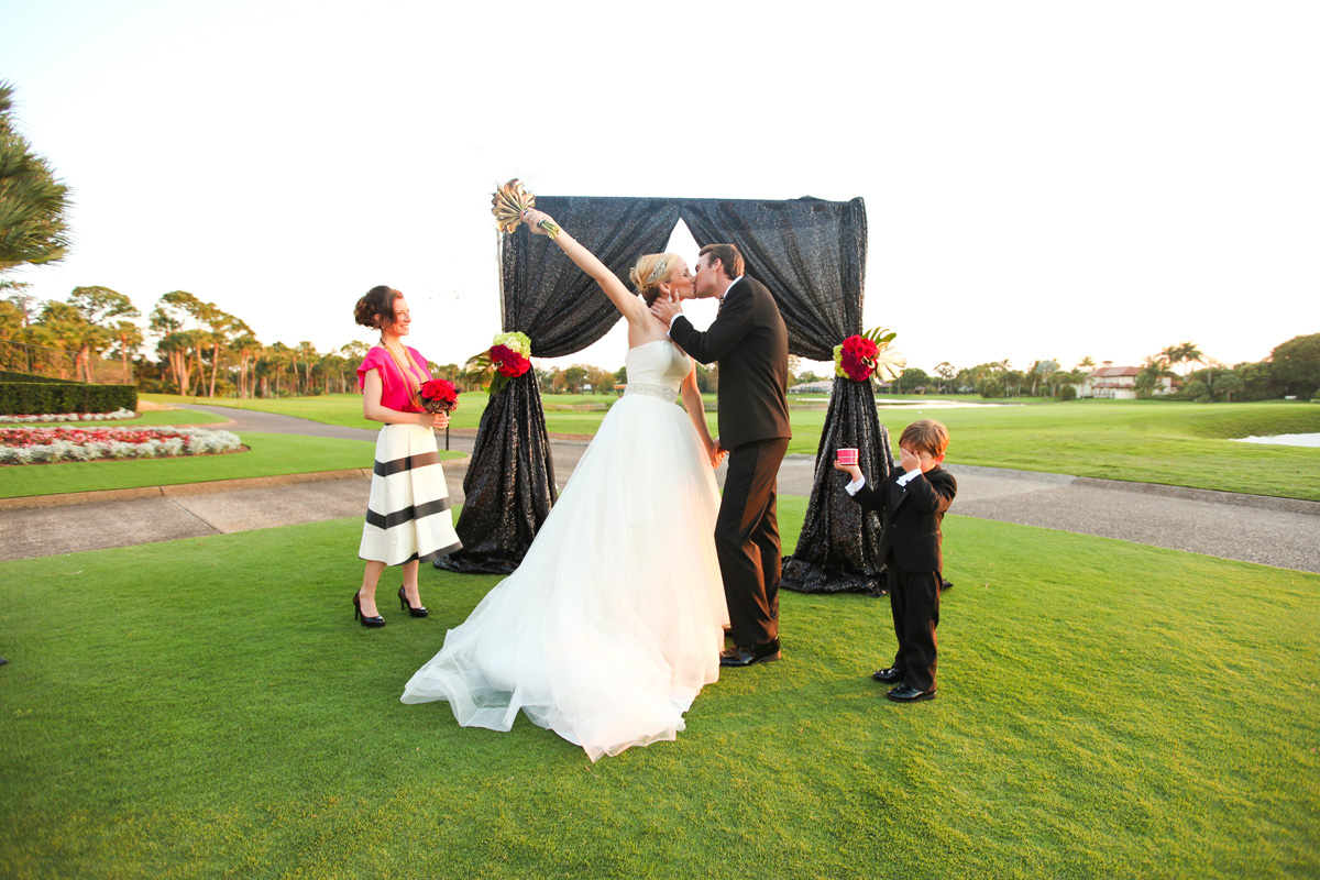 Kate Spade Inspired Modern and Elegant Pink, Gold and Black Glitter Wedding Ceremony | The Majestic Vision Wedding Planning | Breakers West in Palm Beach, FL | www.themajesticvision.com | Krystal Zaskey Photography