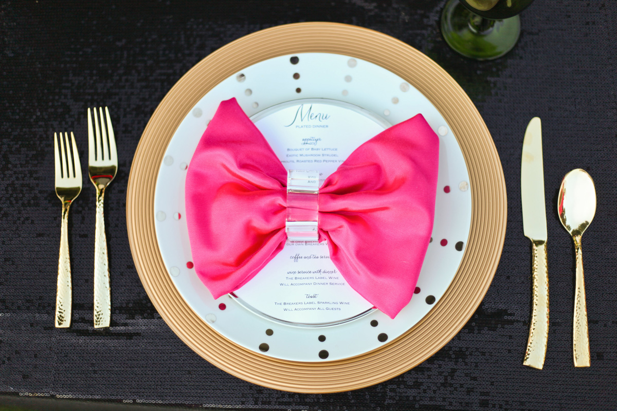 Kate Spade Inspired Modern Pink and Gold Bow-Shaped Wedding Menu | The Majestic Vision Wedding Planning | Breakers West in Palm Beach, FL | www.themajesticvision.com | Krystal Zaskey Photography