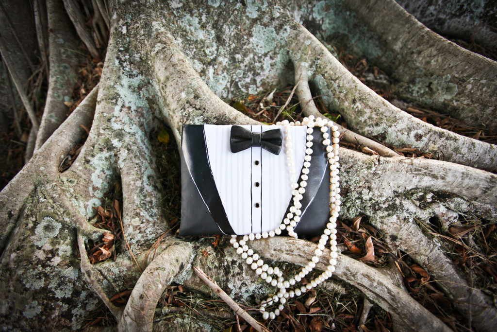 Elegant Kate Spade Tuxedo Clutch | The Majestic Vision Wedding Planning | Breakers West in Palm Beach, FL | www.themajesticvision.com | Krystal Zaskey Photography