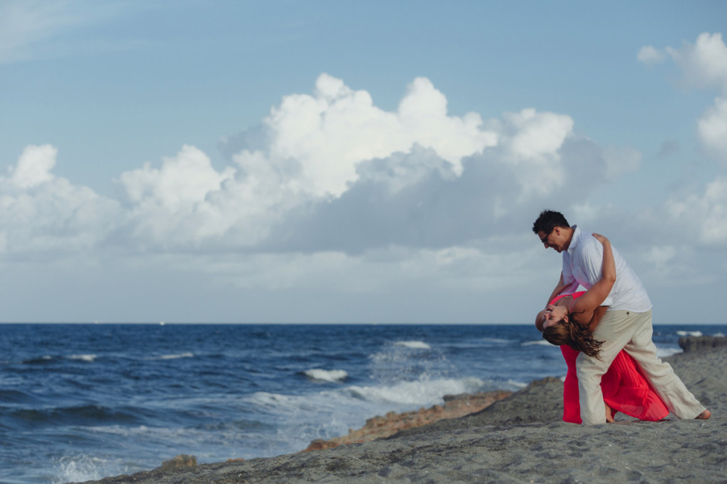 Beautiful Oceanfront Engagement Session | The Majestic Vision Wedding Planning | Blowing Rocks Preserve in Palm Beach, FL | www.themajesticvision.com | Robert Madrid Photography