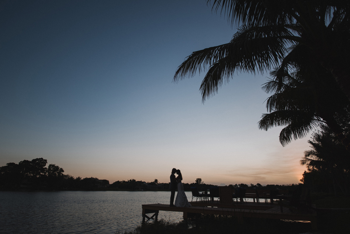 Elegant Sunset Couple Portrait   The Majestic Vision Wedding Planning   Palm Beach, FL   www.themajesticvision.com   Robert Madrid Photography