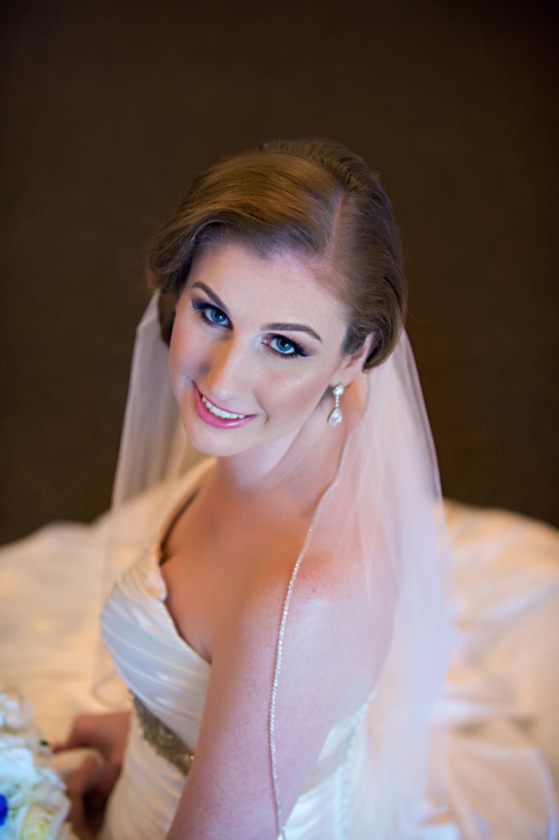 Elegant Bridal Portrait | The Majestic Vision Wedding Planning | Grand Bay Club in Key Biscayne, FL | www.themajesticvision.com | Emindee Images